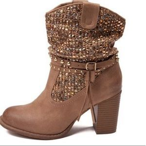 🆕👢Not Rated sequin boots / Booties